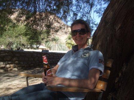 40 åringen i kjent positur...? Her i Ai-Ais hotsprings ikke langt fra grensen til Sør-Afrika