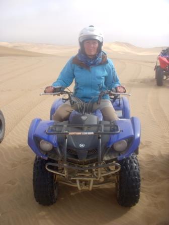 Ingen Swakoptur uten å kjøre 4-hjuling i sanddynene! Gro i farta!!!