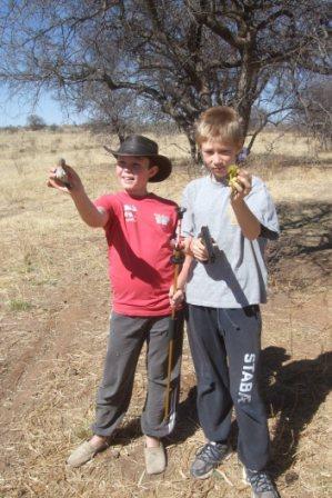 Hos Jonatan er siktet i orden, og utstyrt med blow-gun og soft-gun ble det en fin liten fangst på disse ivrige jegerene.