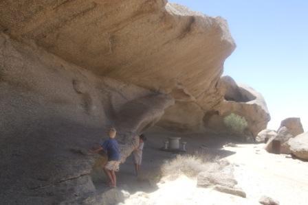 """Jo lenger ut mot kysten man kommer jo flatere blir landskapet. Her et siste stopp med klatring i fjell før """"sanddyne-land"""" starter."""
