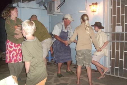 Til og med chefen danset uti de sene nattetimer, tror alle hadde det gøy!!!